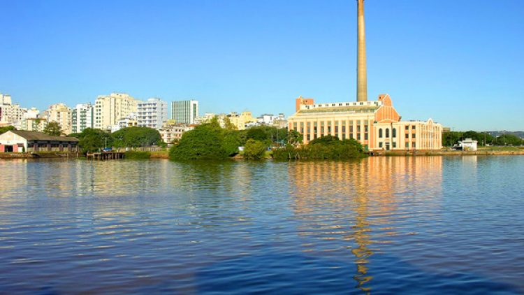 Escola promove workshops em Porto Alegre