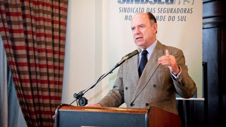 João Elísio fala sobre o mercado de seguros e a economia
