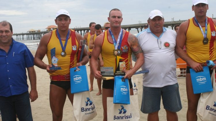 MBM apoia competição de salva-vidas no litoral