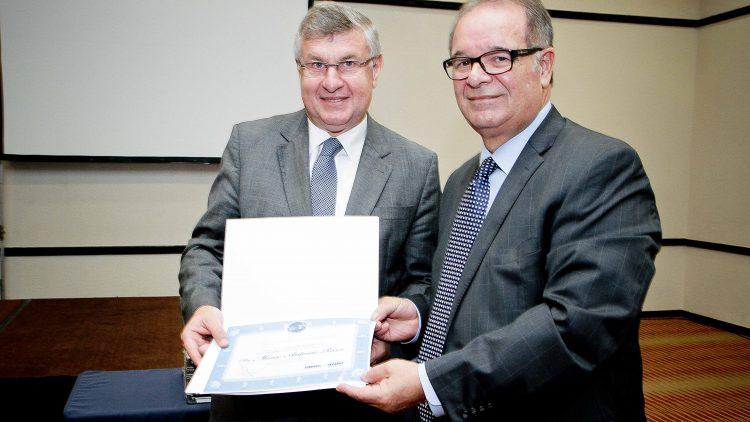 Presidente da CNseg participa de Café da Manhã do Sindsegrs