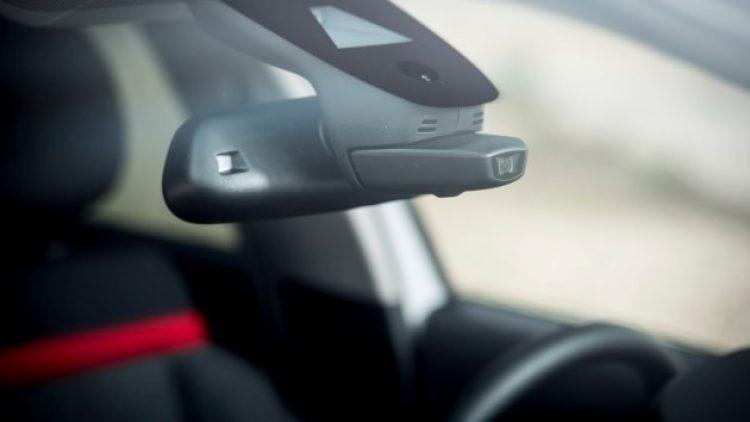 Tailândia: governo determina descontos de até 10% em seguros para carros com câmeras