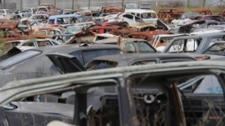 Detran/RS recicla mais de 500 veículos e limpa área de depósito em Viamão