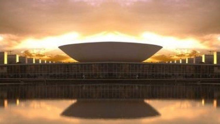 Corretores invadem Brasília para discutir comercialização de seguros pela internet