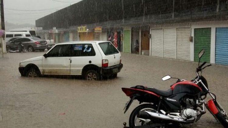 Seguro é alternativa para amenizar danos particulares causados pelas chuvas