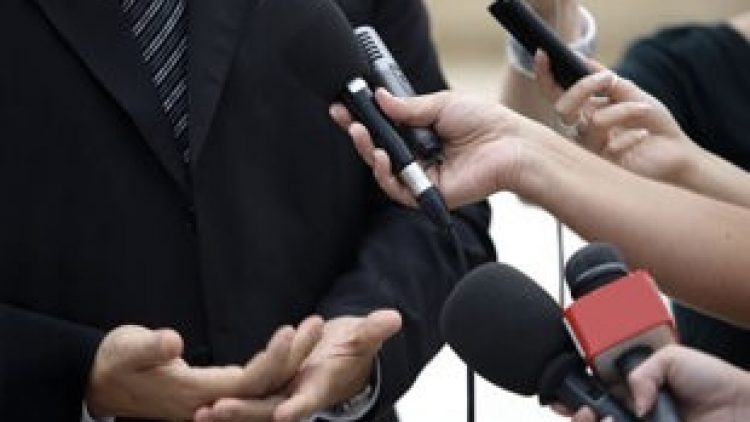 Projeto torna obrigatório seguro de vida para jornalistas em coberturas externas