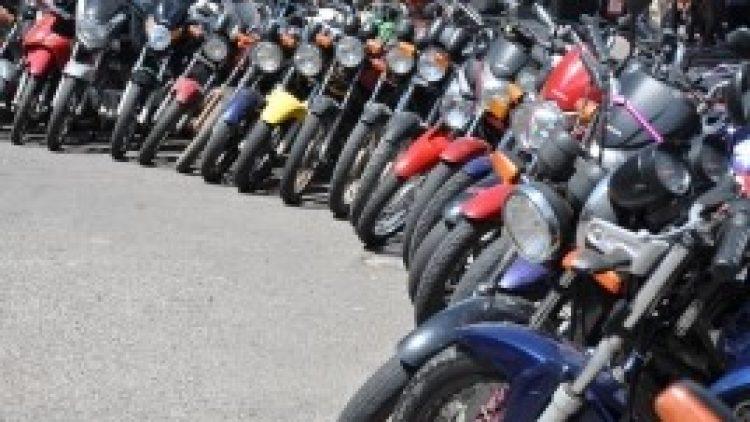 Um terço dos motociclistas envolvidos em acidentes fatais não estava habilitado