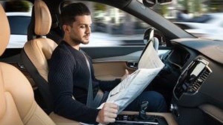 Artigo: seguro automotivo deve mudar com chegada de carros autônomos