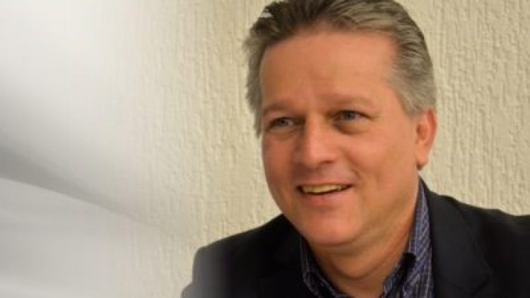 Joaquim Mendanha explica a importância do recadastramento
