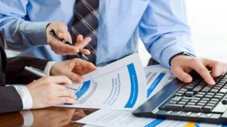 Gerente de banco não possui conhecimento técnico para vender seguro