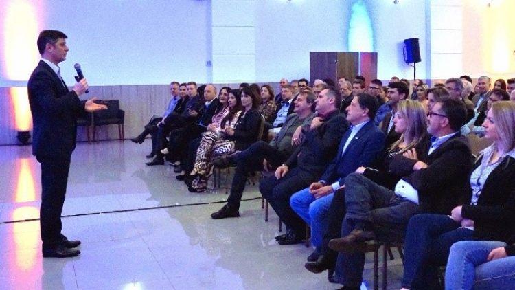 Seguradora promove encontro com corretores em Chapecó