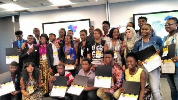 Jovens refugiados recebem apoio para conquistar emprego no Brasil
