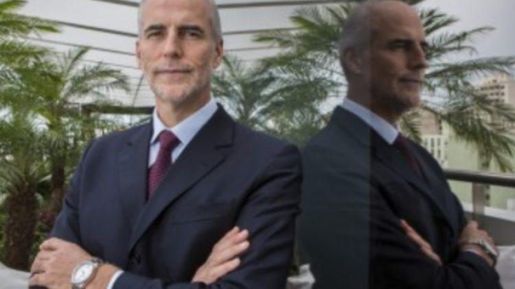 Luiz Pomarole segue para Conselho e Roberto Santos, atual vice-presidente, assume a carteira de auto