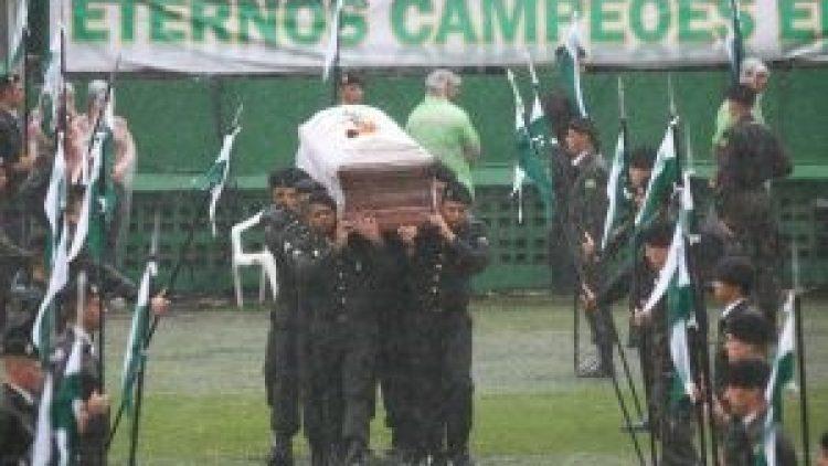 Chapecoense: Quase um ano depois, relatório do acidente aéreo ainda não saiu