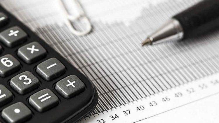 Professor de finanças dá 5 dicas financeiras para começar bem 2018