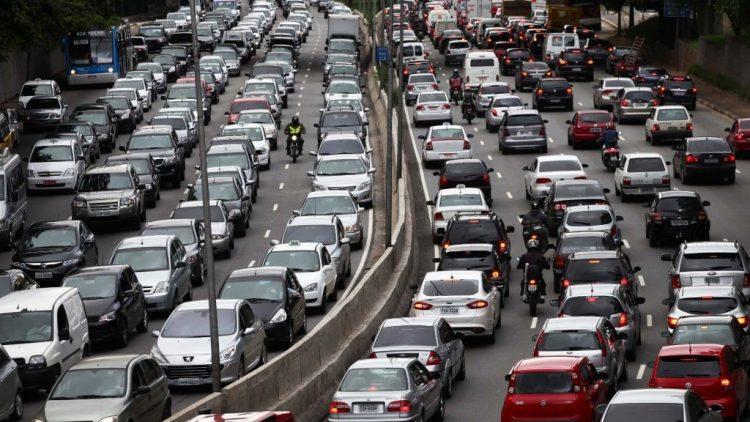 Cerca de 80% da frota brasileira de veículos circula sem seguro