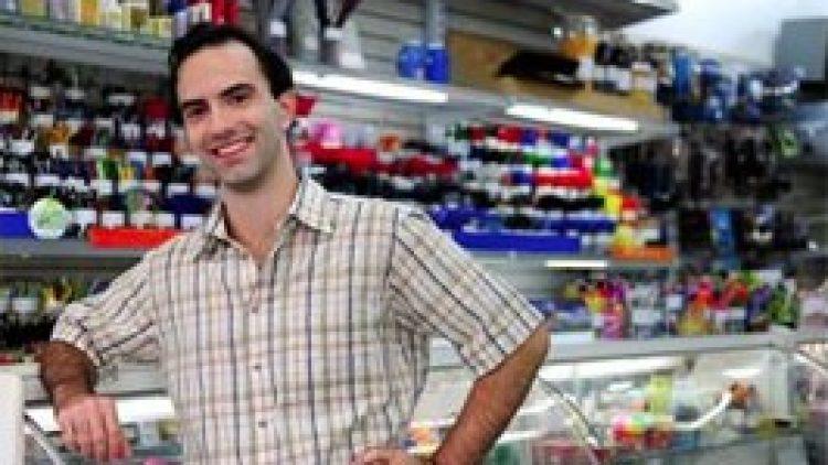 Quase metade dos empresários brasileiros de pequenas empresas pretende adquirir seu próximo seguro via online