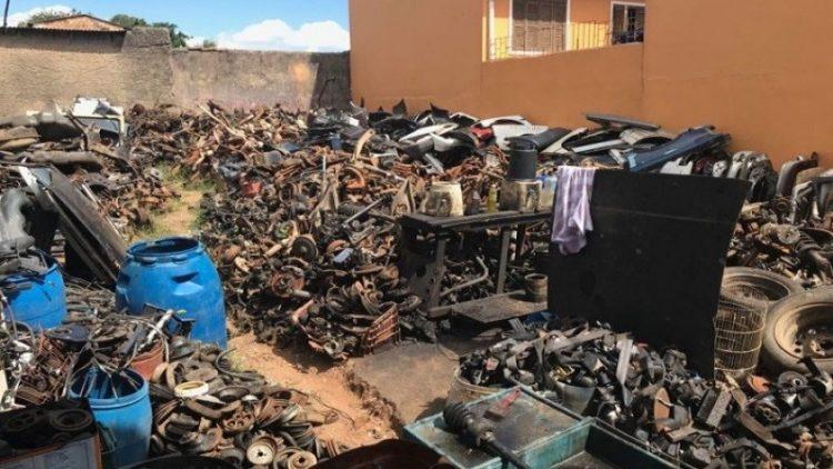 Operação Desmanche resulta na apreensão de 20 toneladas de sucata automotiva em Porto Alegre