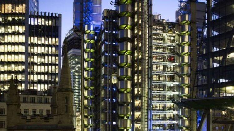 Lloyd's registra prejuízo bilionário após grandes sinistros de 2017