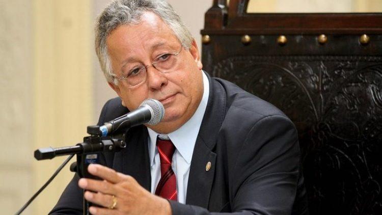 Deputado recorre contra proteção veicular