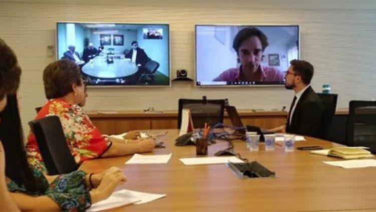Comissão de Seguros Inclusivos da CNseg reúne-se para conhecer a experiência da startup Bima com microsseguros