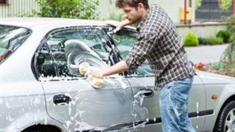 Cuidados ao lavar o carro no frio