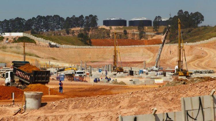 Dor de cabeça na construção civil: falta de segurança em canteiros de obras tem solução