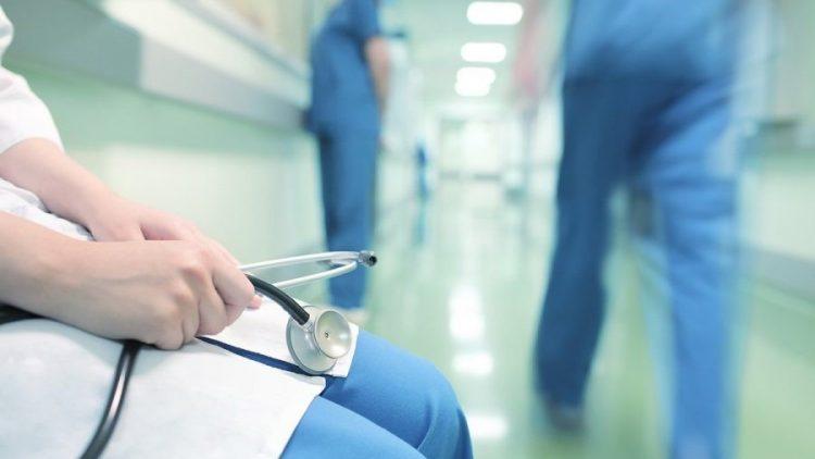 Médicos fazem cada vez mais seguro para cobrir seus erros