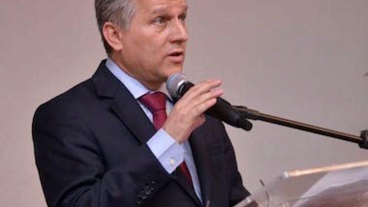 Joaquim Mendanha Destaca a Importância do Corretor no Mercado Nacional de Seguros