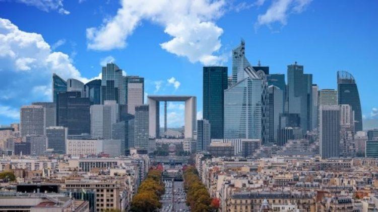 Paris se prepara para suceder Reino Unido como 'capital financeira' pós-Brexit