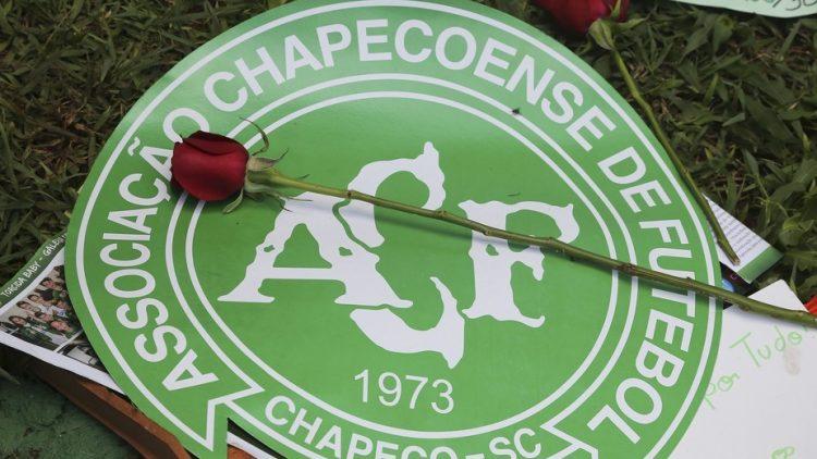 Com prazo perto do fim, familiares de vítimas do acidente da Chape viajam para tentar agilizar indenização