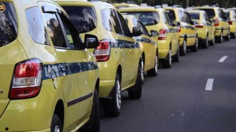 Cooperativa de taxistas vende proteção veicular e é intimada
