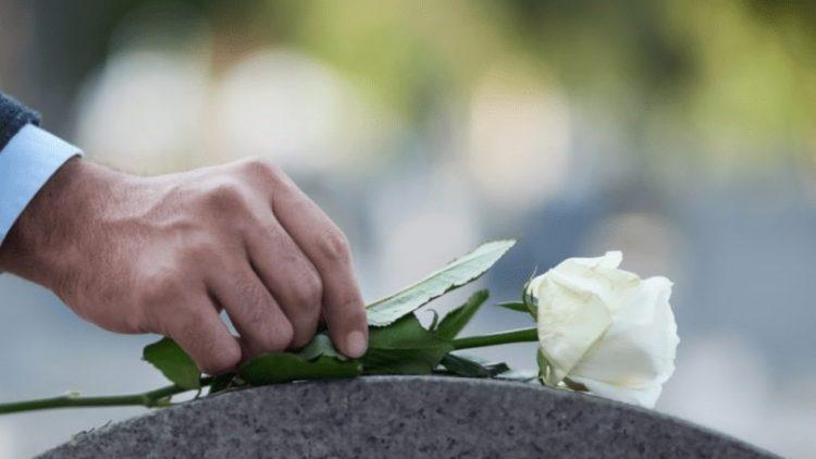 Projeto regulamenta plano de assistência funeral