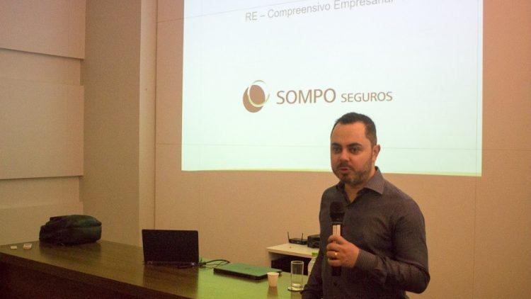 Sompo seguros realiza treinamento sobre seguro empresarial em Porto Alegre