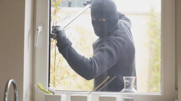 Dicas para evitar os roubos e furtos de casas de veraneio
