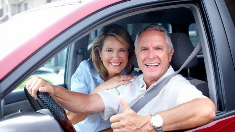 Saiba quanto um idoso paga no seguro auto