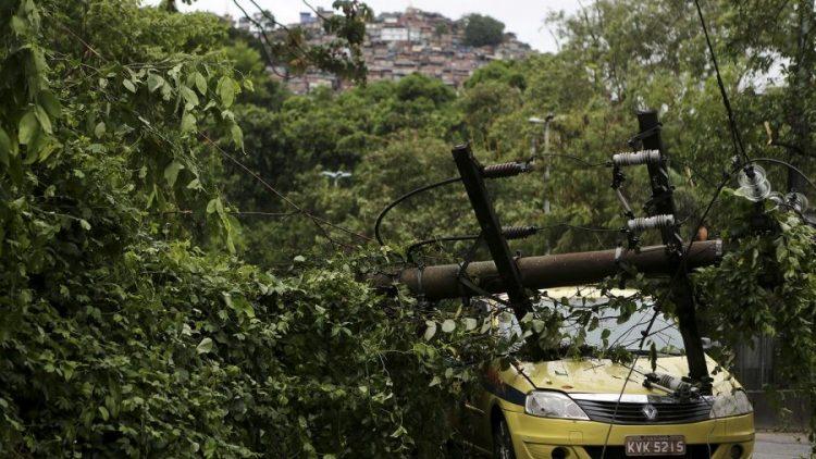 Seguradoras montam esquema especial para atender sinistros no Rio