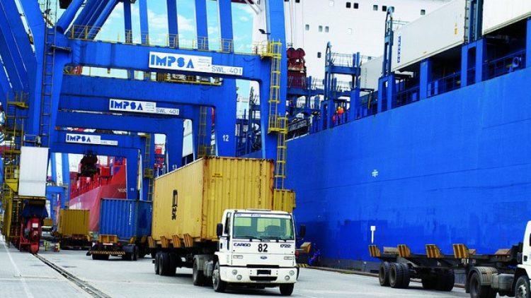 Operações portuárias ampliam demanda profissional