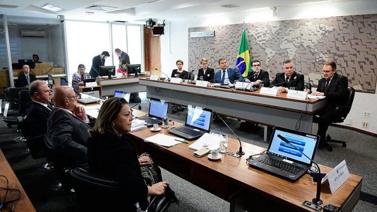Governo precisa apoiar famílias de vítimas do voo da Chapecoense, conclui comissão
